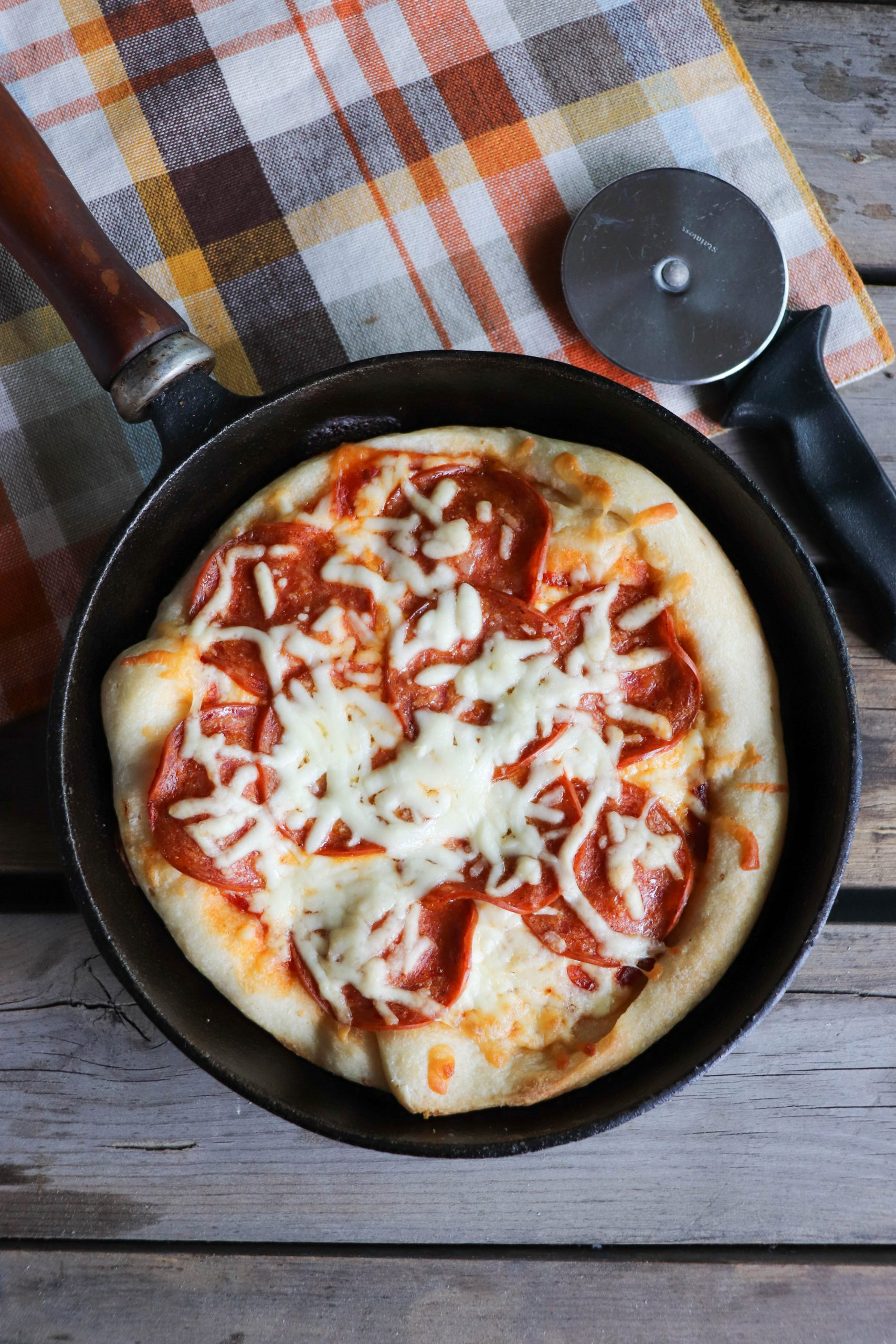 skillet pizza for camping